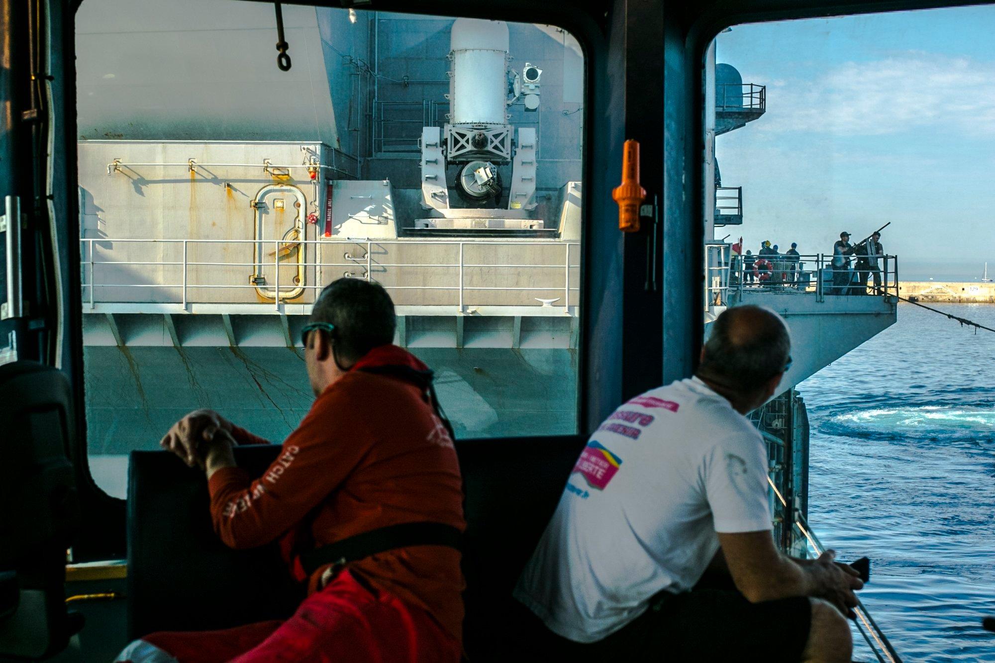 marin-porte-avion-cargo-mer-photographe-professionnel