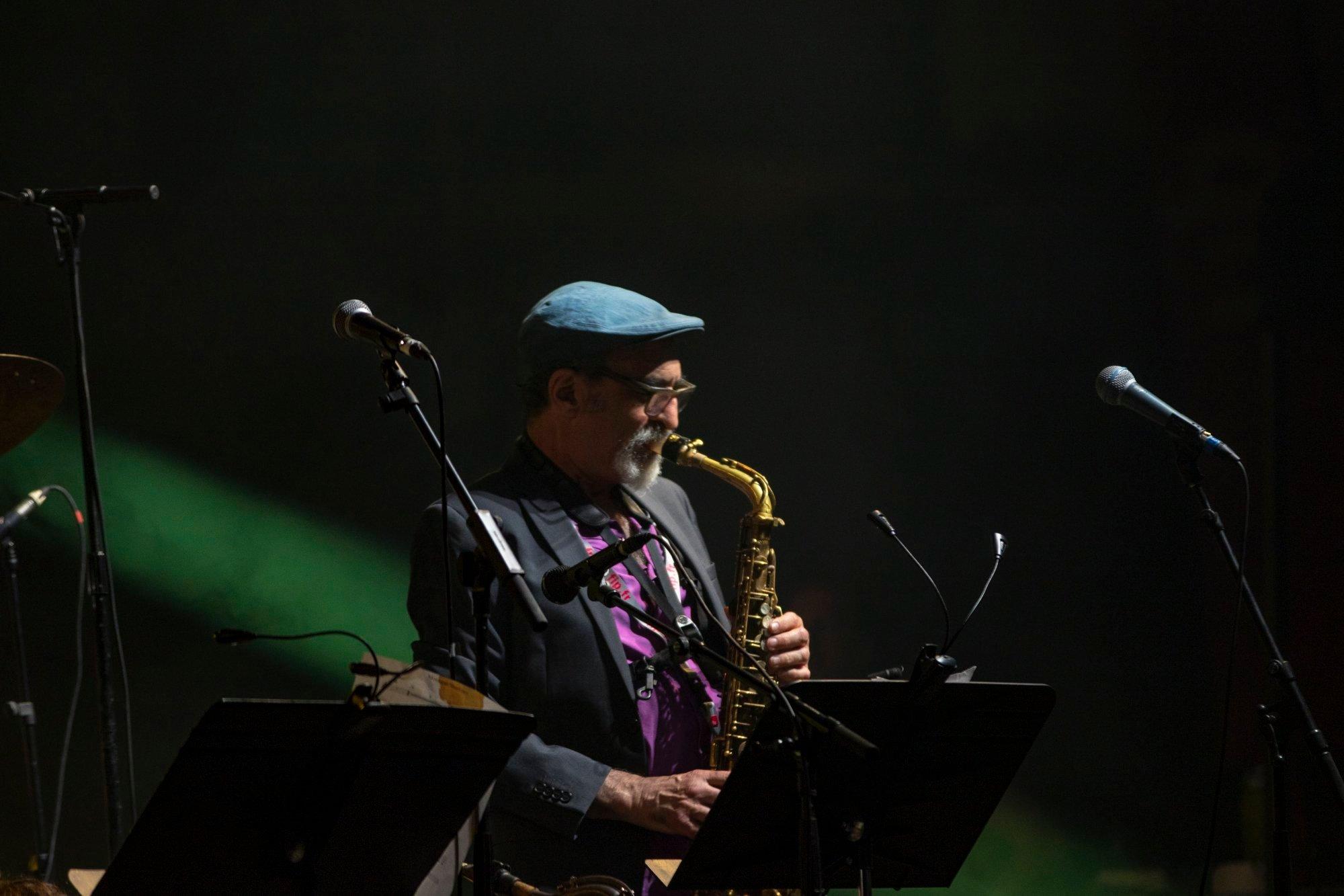 jazz-saxophone-vert-noir-photographe-professionnel
